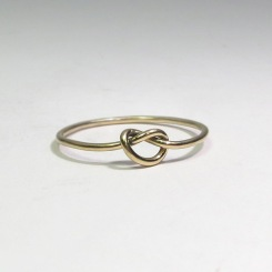 Knotenring in 750 Gelbgold